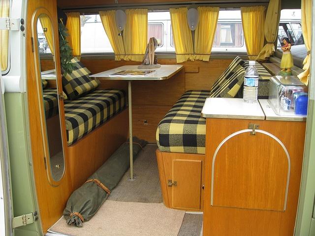 interesting bottom rail for cutains: Vintage Camper Interior, Yellow Vintage Campers, Vintage Campers Interiors, Vw Campers, Bus Campers, Bus Interiors, Vw Bus, Vintage Vw, Campers Vans Curtains