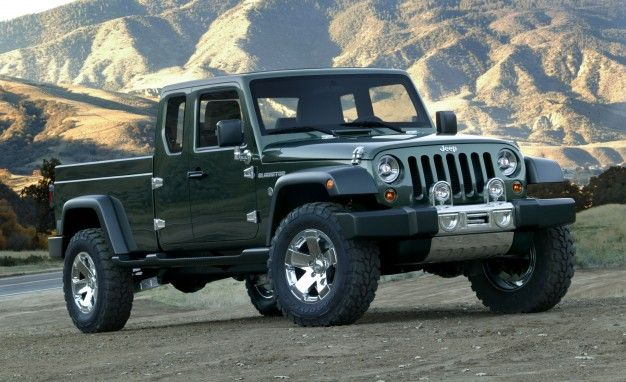 The Jeep Wrangler pickup truck is really, finally happening. Fiat Chrysler CEO Sergio Marchionne and Jeep CEO Mike Manley confirmed at the Detroit auto show that it would reach production in late 2017.