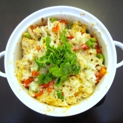 Easy Tuna Rice Casserole - Quick and easy! A cheesy tuna rice bake with peppers and cilantro, perfect for lunchLunches, Yummy Food, Rice Baking, Casseroles Recipe, Cookbooks Recipe, Cheesy Tuna, Tuna Rice, Easy Tuna, Rice Casseroles