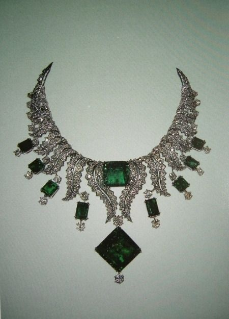 Emerald and diamond necklace from the Iranian royal jewels