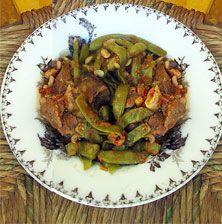 Λιτό, νόστιμο καλοκαιρινό φαγητό που συνοδεύεται εξαιρετικά με φρέσκα τυριά όπως η ξινομυζήθρα ή απλά με ένα κομμάτι φέτα. Μπορείτε να το φτιάξετε και με μοσχάρι