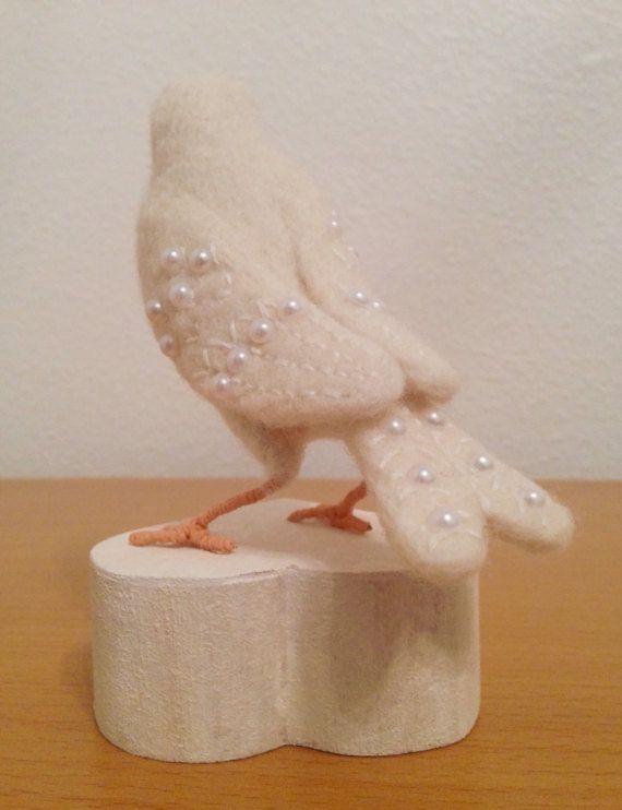Escultura blanda de aguja hechos a mano de fieltro blanco