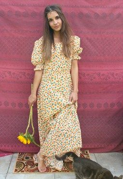 Vintage 70s Daisy Print Maxi Dress