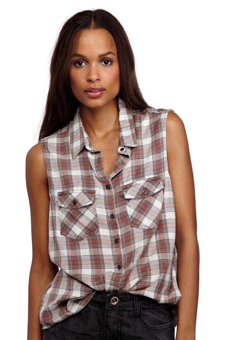 Bring out your inner grunge with this checked singlet from Cotton On.