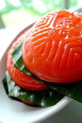 Nyonya Pastry: Ang Ku Kueh (Red Tortoise Cake - Traditionally red & tortoise-shaped cake made of glutinous rice flour & mashed sweet potato with mung bean paste filling).