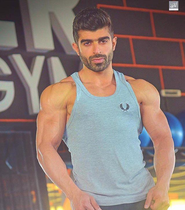 Publication Instagram Par اجمل شباب الوطن العربي 1 Mars 2018 A 9 08 Utc Instagram Tank Man Mens Tops
