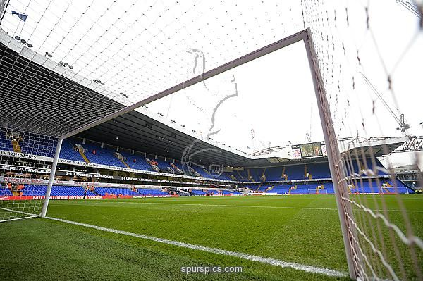 LONDON, ENGLAND - DECEMBER 18: General view inside the stadium prior to the Premier League match between Tottenham Hotspur and Burnley at White Hart Lane on December 18, 2016 in London, England. (Photo by Tony Marshall/Getty Images)