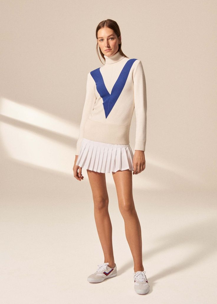 Tory Burch walks Vogue.com through her new Tory Sport Fall '16 collection, which includes tennis, golf, and running gear and takes cues from the '70s.