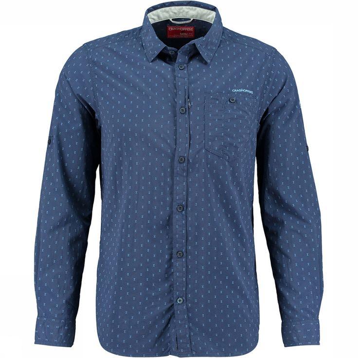 Reis in stijl in dit shirt, waar achter het design een technisch shirt schuilt, Craghoppers Nosilife Todd LS Shirt. Daarnaast is het shirt voorzien van UV bescherming en Nosilife bescherming tegen insecten.