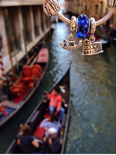 I think I'd like these if we go to Venice, although I dont really want more dangly charms