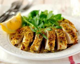 Blancs de poulet en croûte d'herbes citronnée Croq'Kilos : http://www.fourchette-et-bikini.fr/recettes/recettes-minceur/blancs-de-poulet-en-croute-dherbes-citronnee-croqkilos.html