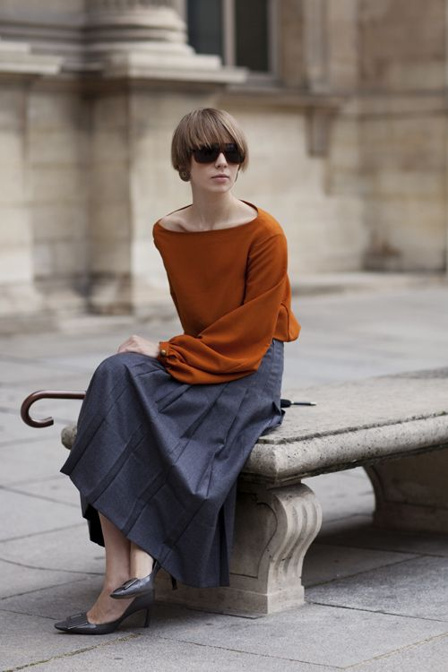 so simple...: Street Fashion, Colors Combos, Shorts Hair, Fashion Models, Burnt Orange, Long Skirts, French Street Style, The Sartorialist, Pleated Skirts