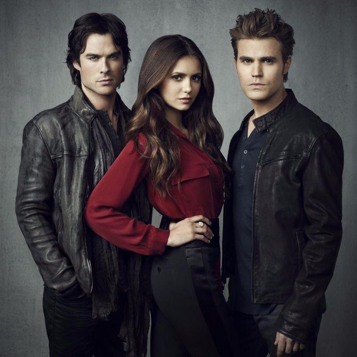 É isso aí, galera. The Vampire Diaries chega ao fim nesta sexta-feira, dia 10 de março, pela CW nos Estados Unidos, e está na hora de nos despedirmos de Damon, Stefan, Elena, Caroline, Bonnie e companhia.Como forma de nos preparar para este emocionante final, relembramos hoje um pouco da ...