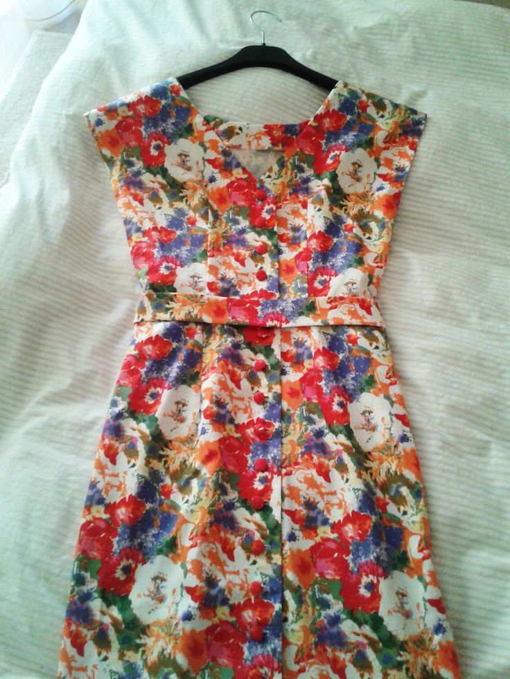 Lana Del Rey complex Floral back button dress.