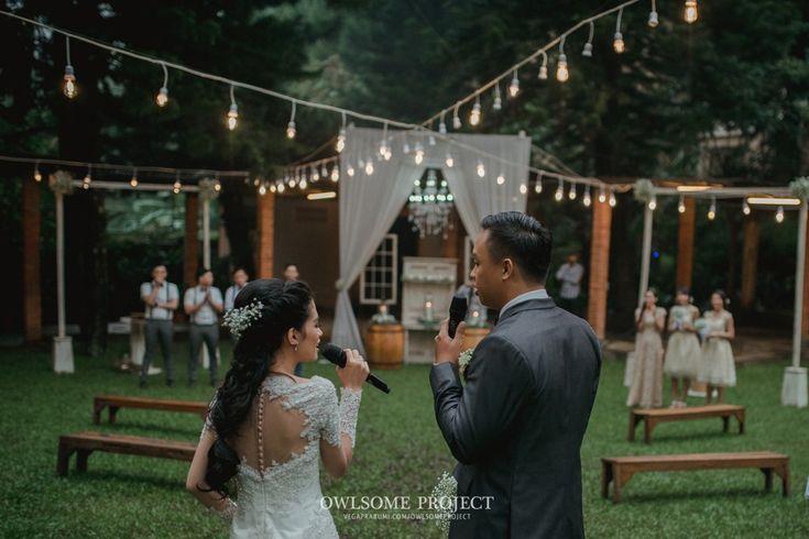 Pernikahan Outdoor dengan Percampuran Adat Sunda dan Chinese -