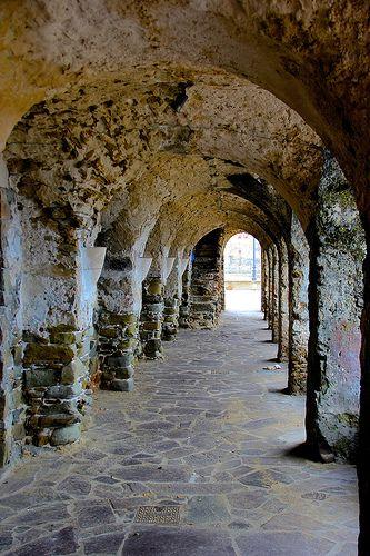 Santa Maria di Castellabate il portico sulla spiaggia LE GATTE