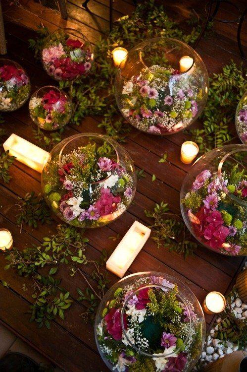 Composition florale dans contenant en verre rond