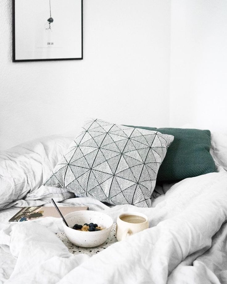 Slow Sundays: Time to enjoy breakfast in bed, read a book or that magazine that's been waiting for you all week. TILE cushion's pattern adds a vivid touch to any setting, allowing for your well-deserved calmness to unfold at the same time.  @ilemartini