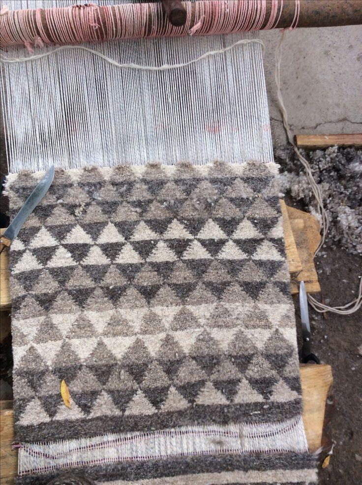 Ручные коврики из шерсти