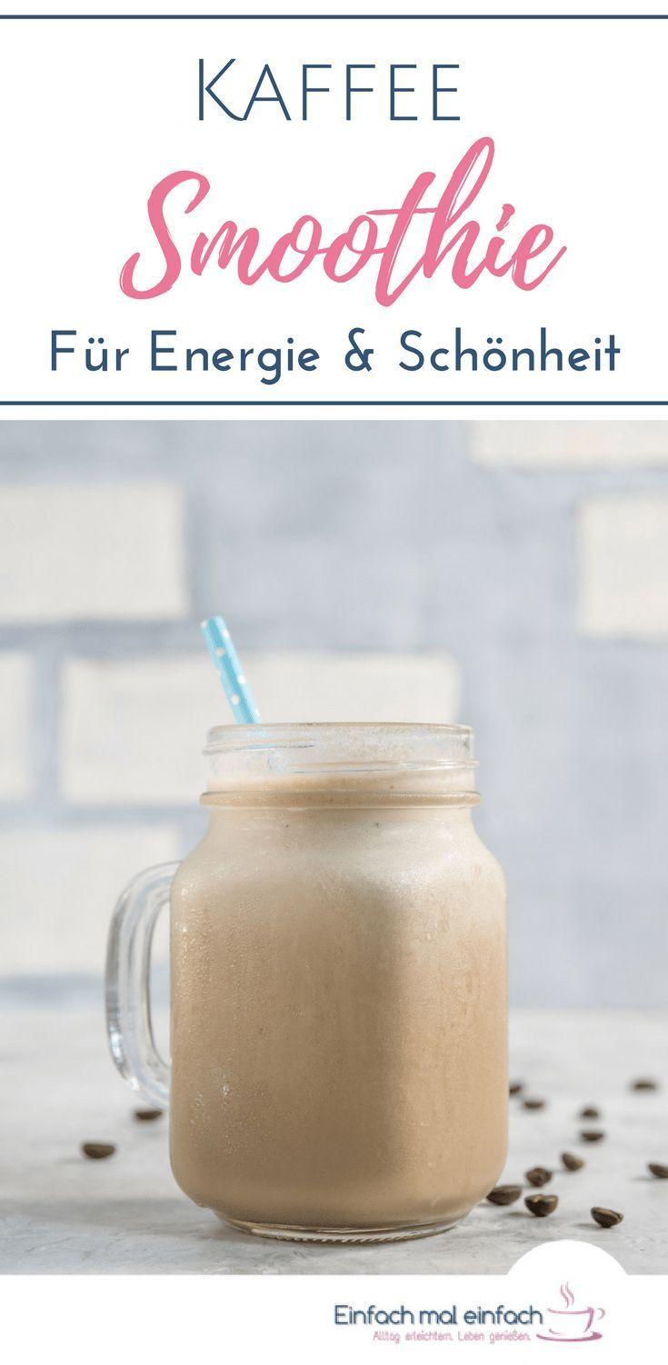 Ganz egal, ob Du mit Smoothies abnehmen oder gesund in den Tag starten möchtest - Mit diesem Rezept für einen Kaffee Smoothie nimmst Du nicht nur eine ausgewogene Mahlzeit zu Dir, sondern erhältst auch einen Energieschub. Nebenbei stärken die Zutaten Haut, Haare und Nägel! #smoothies #abnehmen #gesund #frühstück #kaffee