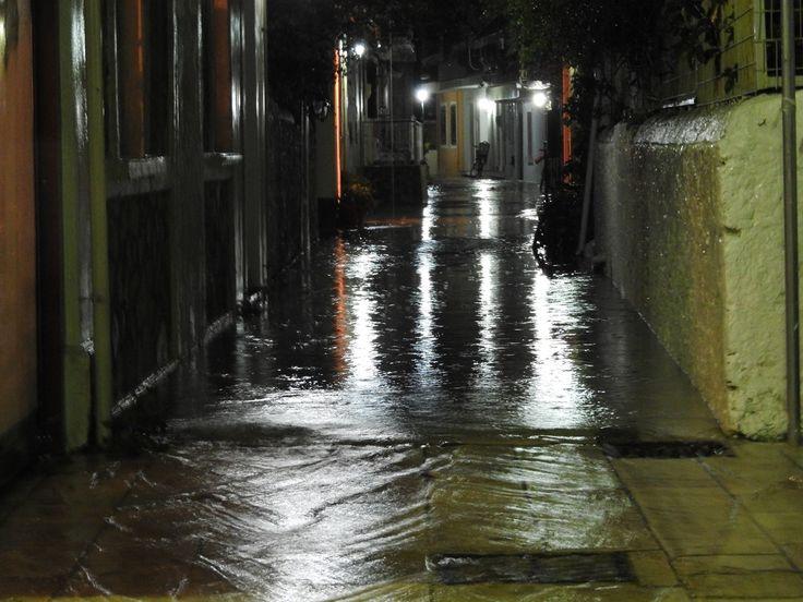 17/11/2017. Σοκάκι πλημμυρισμένο.