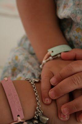 naamarmbandje, armband met telefoonnummer Ingeborg Simone: Vakantiestress