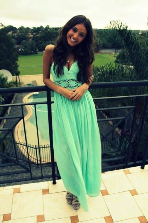 Gorgeous maxi dress.