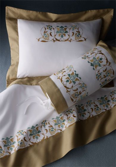 Victoria: This rich, yet delicate, floral design for bed linens and towels, recalls the passion for Chinoiserie in the Victorian Age.