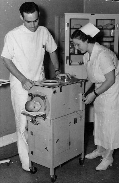 vintage everyday: 20 Vintage Photos of Iron Lungs for Polio Victims From Between…