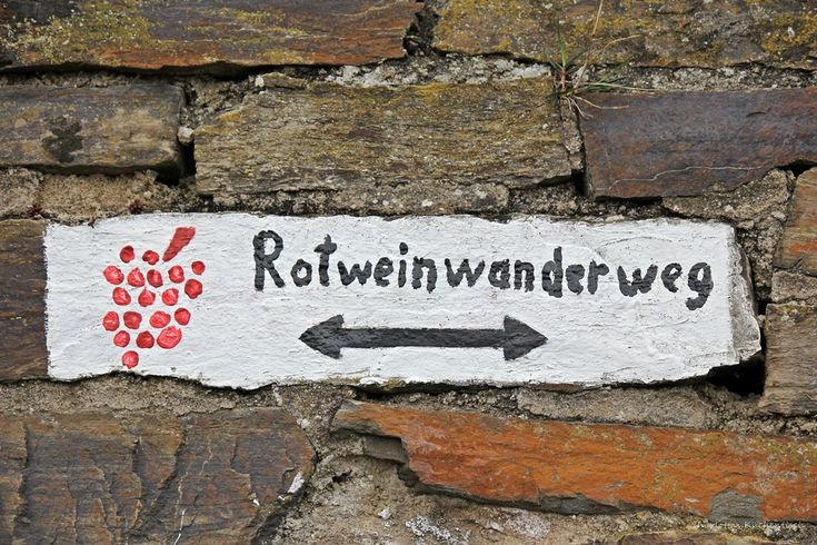 Rotweinwanderweg, Ahrtal, Ahrweiler, Weingut, Bad Neuenahr, Burg Altenahr, Pizzablätterteigstangen, Dernau, Winzer, Mayschoß