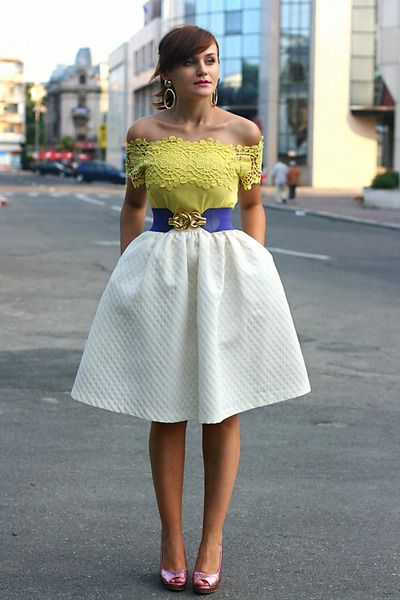 This woman is funky. I like her style /// white midi H&M skirt - bubble gum glitter H&M shoes - yellow OASAP top