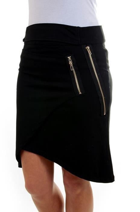 Modna asymetryczna spódnica o kopertowym fasonie, posiadająca ozdobne ekspresy. Oryginalnie zapakowana z kompletem metek wykonana z najlepszych materiałów. Modny design i niepowtarzalny wygląd.