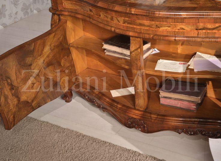 Репродукция письменного стола из дворца Ка Реццонико. #arredamento #classico