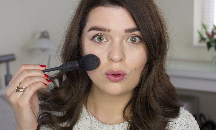 Een alledaagse make-up tutorial naar ons hart, nog wel 17 producten, maar een goeie basis om te leggen