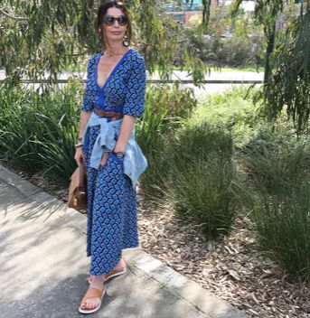 @a_stylish_age looking oh so chic in the Quinn dress in weave blue. Perfect for long summer strolls!