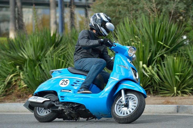 Galería de fotos de la prueba del Peugeot Django 125 | Motociclismo.es