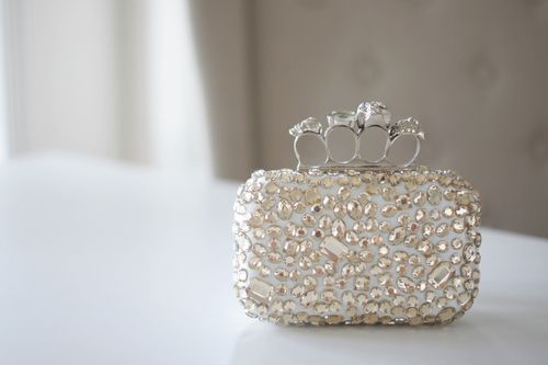 Jeweled clutch with finger grips! Hellz yeah!: Chloe Rose, Alexander Mcqueen, Outfits Sets, Rings Clutches, Fun Ideas, Clutches Bags, Small Purses, Fashion Bloggers, Accessories