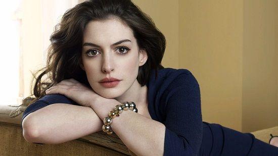 #Celebrity Anne Hathaway Net Worth