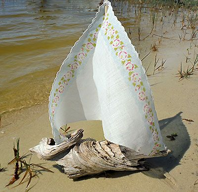 Make a driftwood sailboat vintage sailboats and make your for Driftwood crafts to make