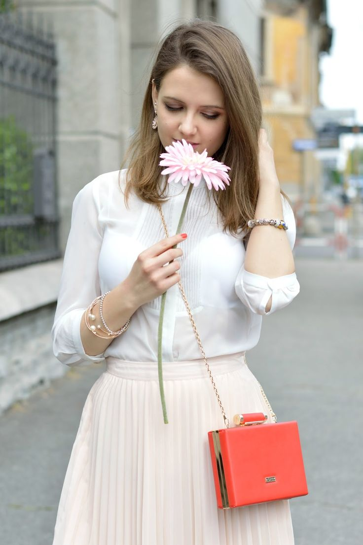 Red Clutch by Segue #outfit #romantic #pink #red #ootd