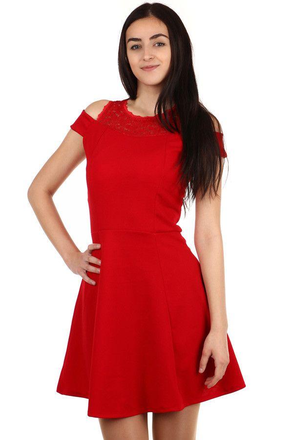 c70d37aadc5f Krátké šaty s krajkovými rameny - koupit online na Glara.cz  damskesaty   dámskéšaty