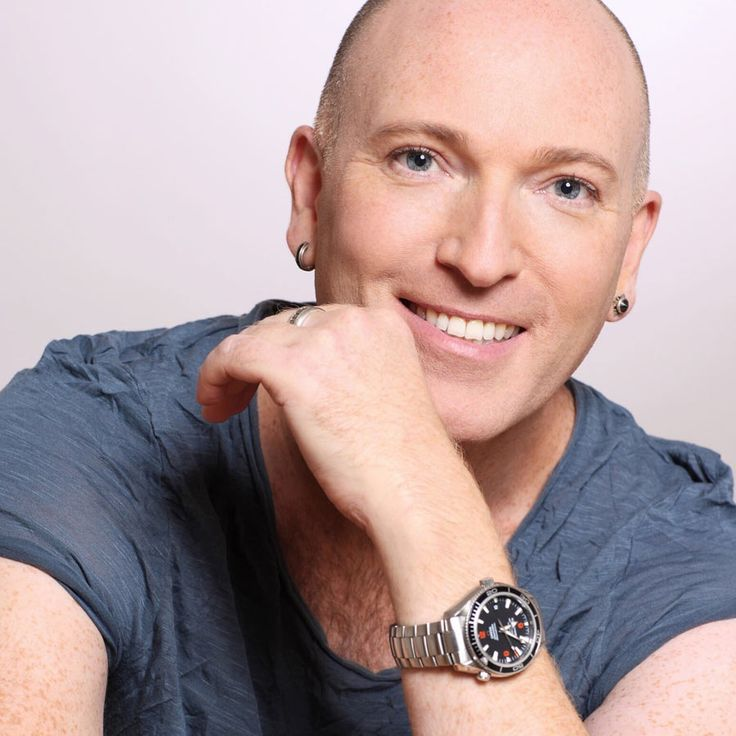 Meet the Tomorrow's Top Vlogger Judges - Make up artist, Daniel Sandler tells us what he is looking for in Tomorrow's Top Vlogger.