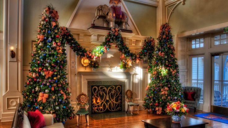 Huge Couple Christmas Tree