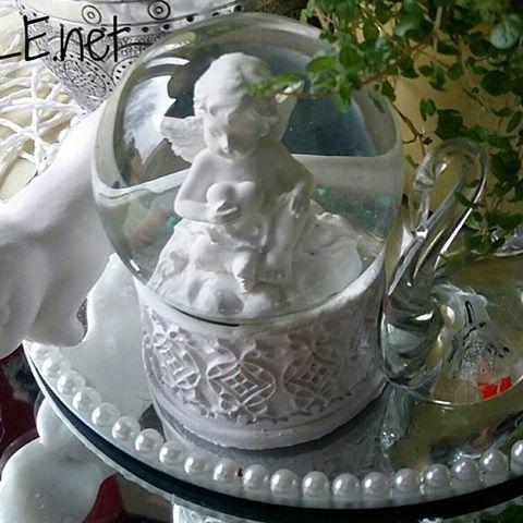 KOTI&SISUSTUS. KEVÄT. Minun Tyyliä Keittiö pöydällä asetelma, Kodin Onni viherkasvi kestää pitkään. TYKKÄÄN. Sinä? HYMY #koti #sisustus #blogi #keittiö #asetelma #tyyli #kodinonni #hymy ☺