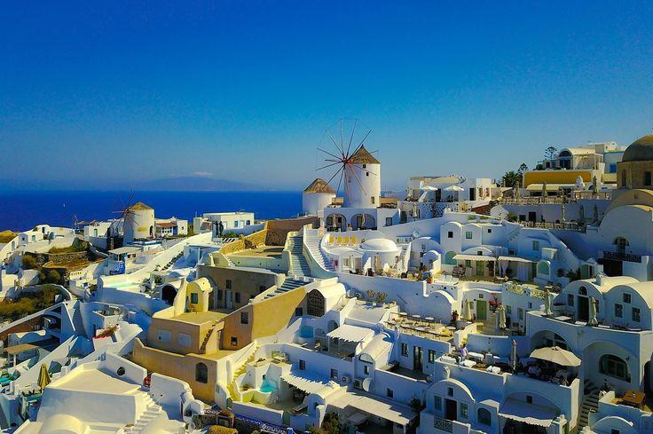 More Luxury Hotels Planned for Santorini, Kos.