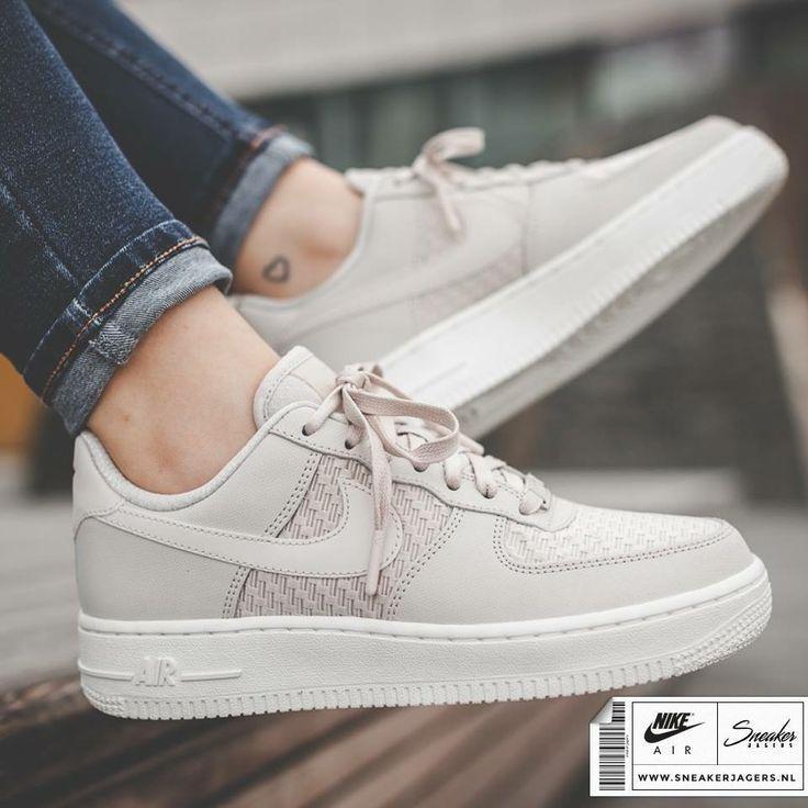 Folgen Sie @StylesByPreeti für Poppin Pins❤️ – Legentil – Schuhe