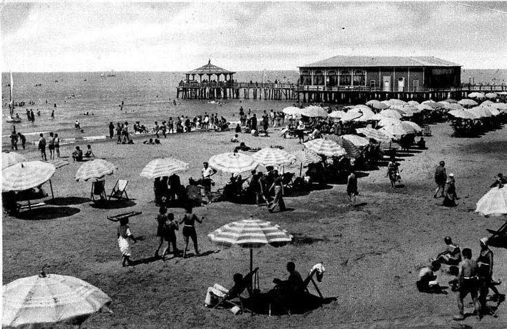 Viareggio - Bagno Balena - Foto dell'Archivio e Centro Documentario Storico di Viareggio
