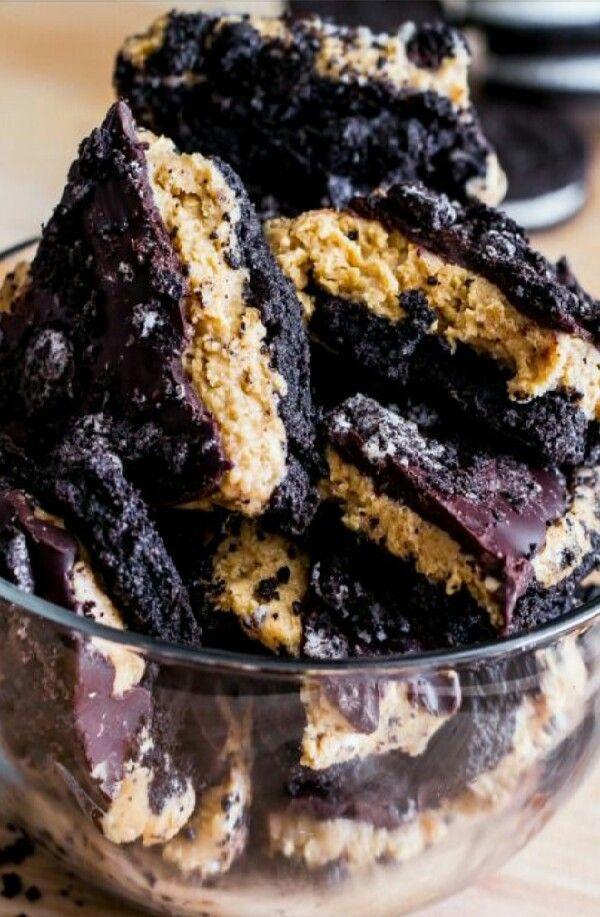 Peanut Butter Oreo Chocolate Bark!!! #Food #Drink #Trusper #Tip