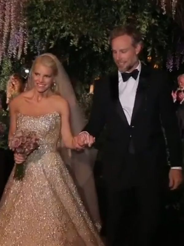 Watch Jessica Simpson and Eric Johnson's First Moment as Husband and Wife!
