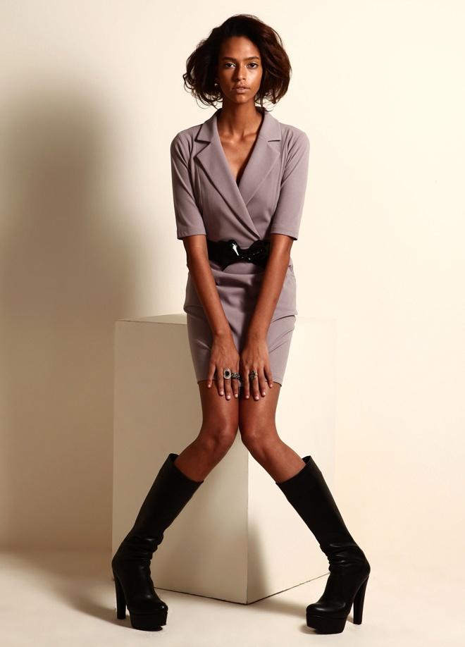 Jus de pommes Yakalı jarse elbise Markafoni'de 149,90 TL yerine 49,99 TL! Satın almak için: http://www.markafoni.com/product/3268813/